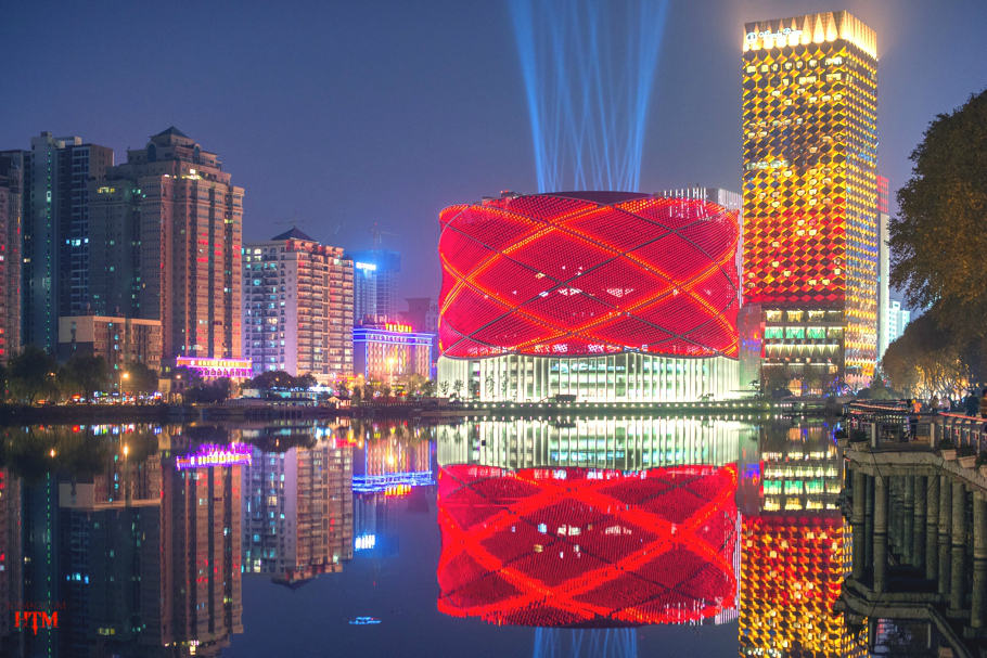 entertainment-buildings-open-wuhan-china-03