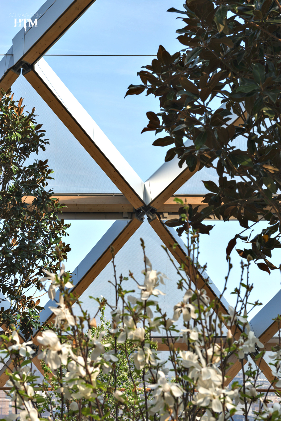 contemporary-rooftop-gardens-canary-wharf-crossrail-london-adelto_01